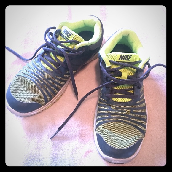 nike shoes youth size 6